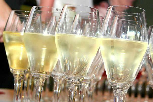 Bouteille de Champagne secouée par inadvertance juste avant de l'ouvrir