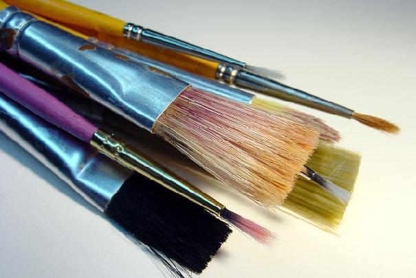 Nettoyer les pinceaux à peinture
