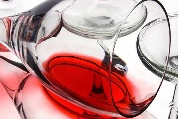 Nettoyer une t che de vin rouge - Nettoyer tache de vin ...