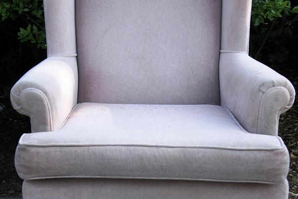 nettoyer_fauteuil_velours