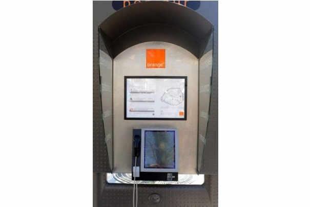 cabine_telephonique_acces_internet_france_telecom