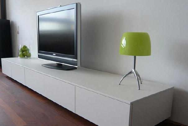 comment nettoyer les crans d ordinateur et de t l vision. Black Bedroom Furniture Sets. Home Design Ideas