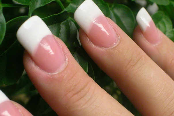 Comment avoir naturellement des ongles brillants ?