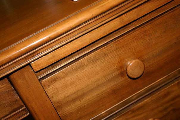 Faire soi-même un décapant naturel pour meubles