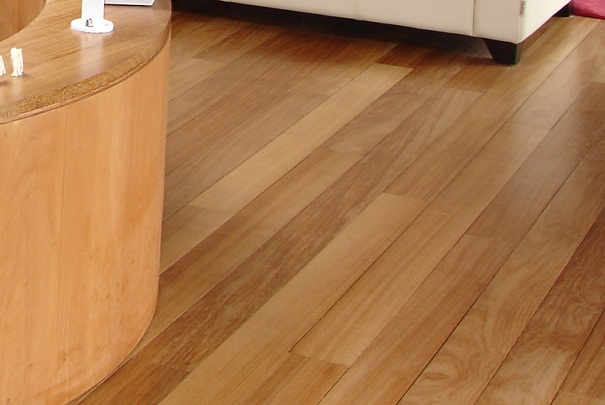 comment entretenir un parquet With nettoyer parquet bois