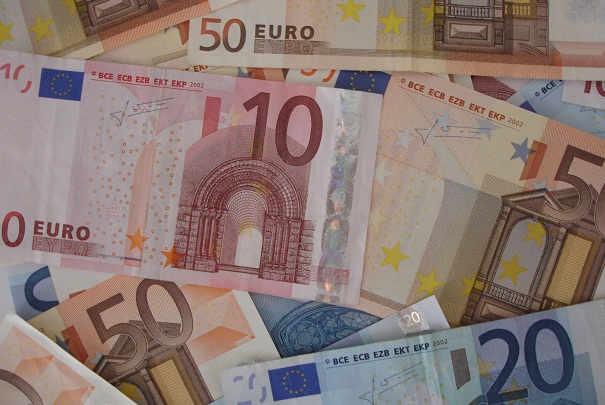 hausses_2011_tarifs_cotisations