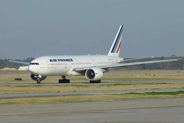 hausse_taxes_aeroports_roissy_orly_2011