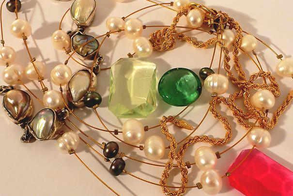 Comment défaire des chaînes de bijoux emmêlées ?
