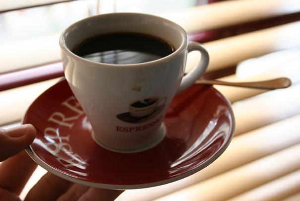 cafe_gratuit_aires_autoroutes_vacances_paques