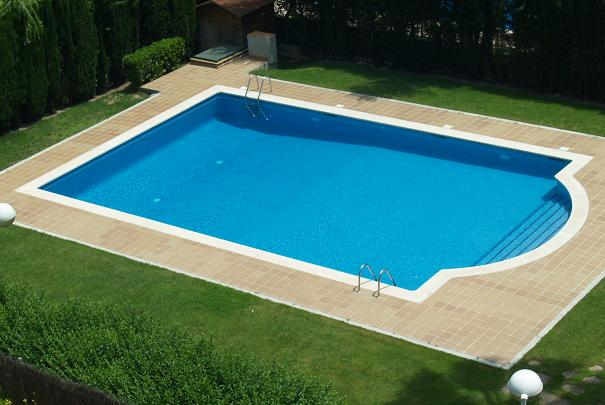 calculer le volume d eau de sa piscine ou d un bassin. Black Bedroom Furniture Sets. Home Design Ideas