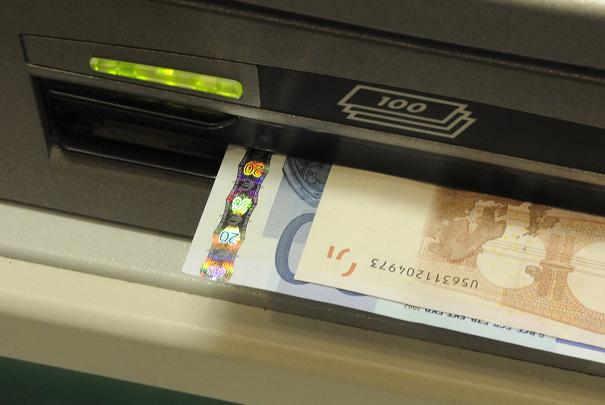 Les banques doivent encore faire des efforts sur les for Tarif assurance garage