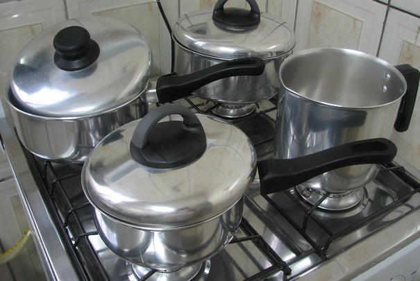 Eviter de saler dans l'eau froide pour ne pas abîmer vos casseroles
