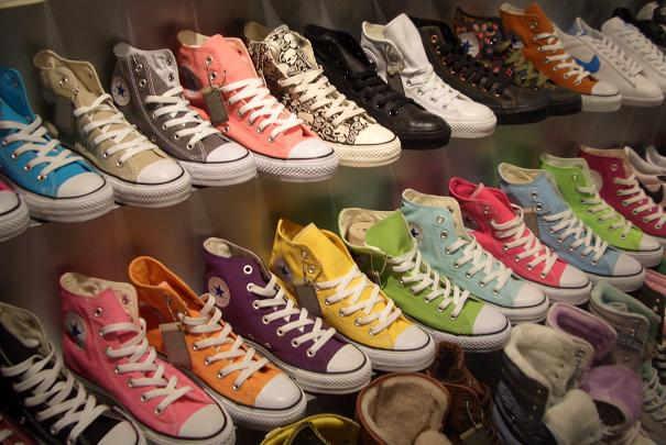 Choisir la bonne longueur de lacets suivant le nombre d'oeillets de chaussures