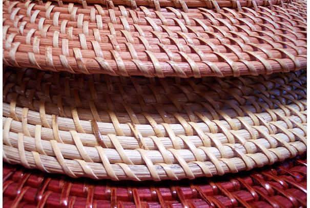 Nettoyer et déjaunir le mobilier de jardin en osier