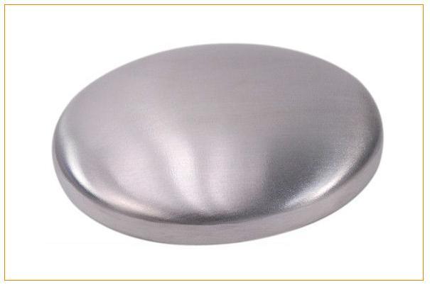 Eliminer toutes les odeurs sur les mains avec le savon d'acier