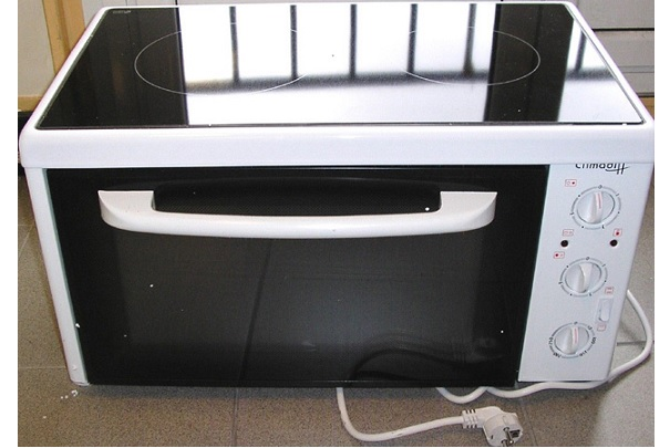 rappel de mini fours lectriques avec plaque vitroc ramique de marque climadiff. Black Bedroom Furniture Sets. Home Design Ideas